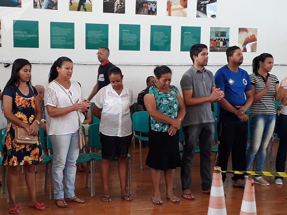 Las oraciones unen a los familiares de los desaparecidos tras el trágico suceso en Brumadinho