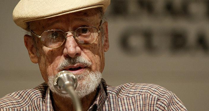 Roberto Fernández Retamar, poeta y ensayinsta cubano
