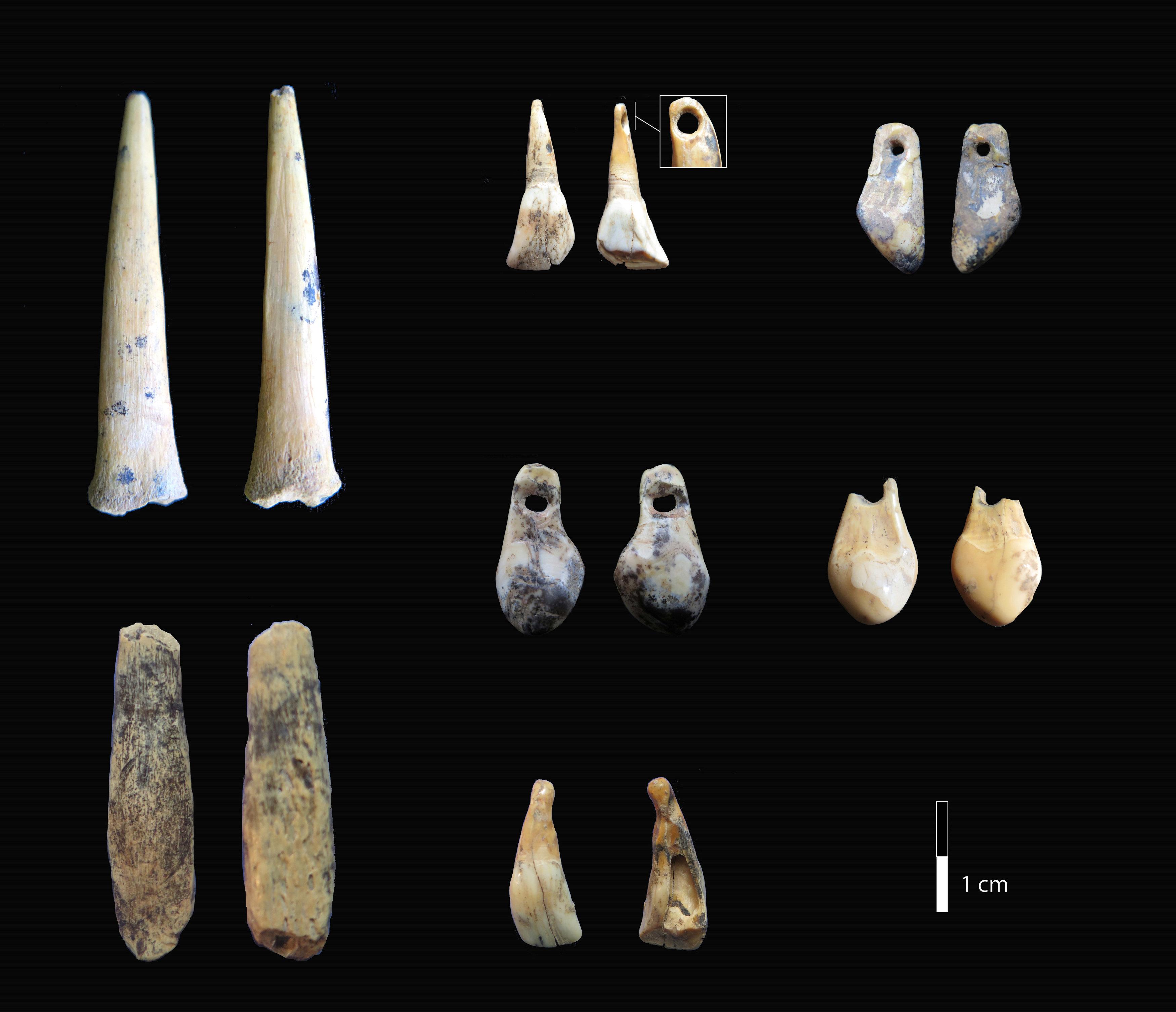 Artefactos de las cuevas de Denísova