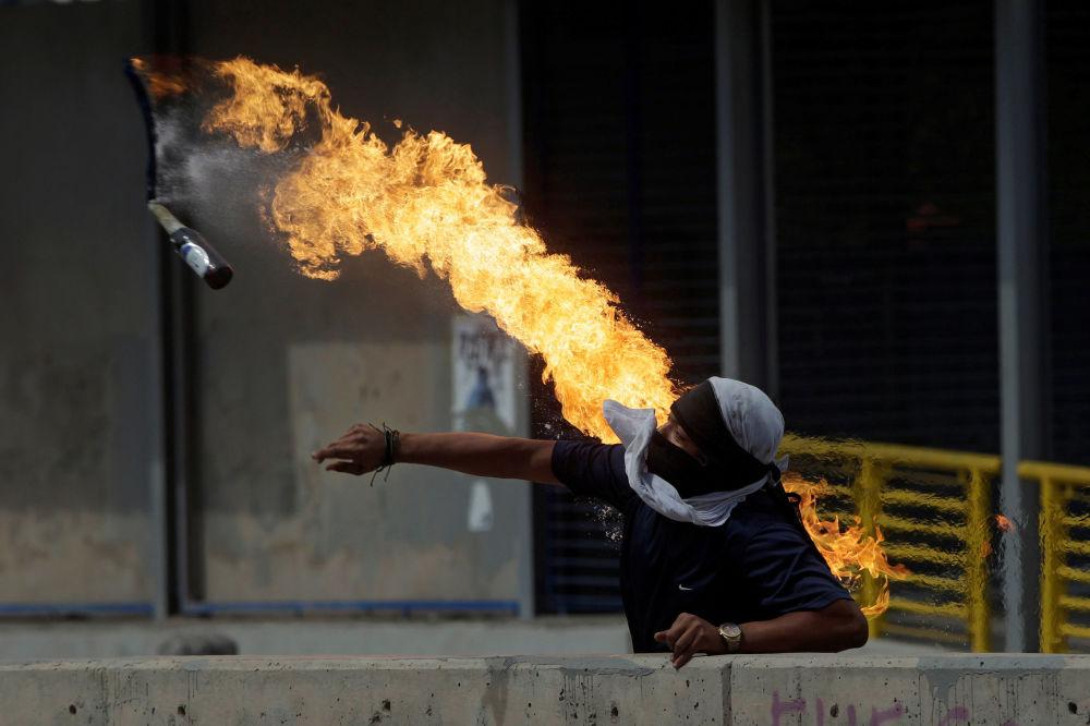 Tornado en Cuba, acrobacia en el aire y patinaje sobre hielo: las fotos más emotivas de la semana