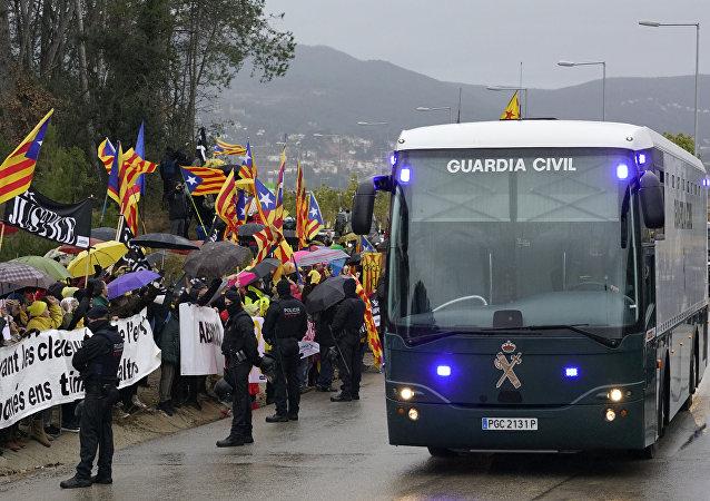 Protestas durante el traslado de los presos independentistas catalanes a Madrid