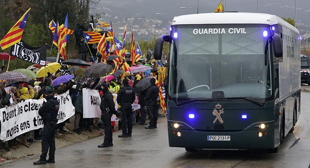 Protestas durante el traslado de presos independentistas catalanes a Madrid