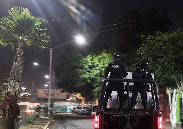 Policías mexicanos en Tijuana
