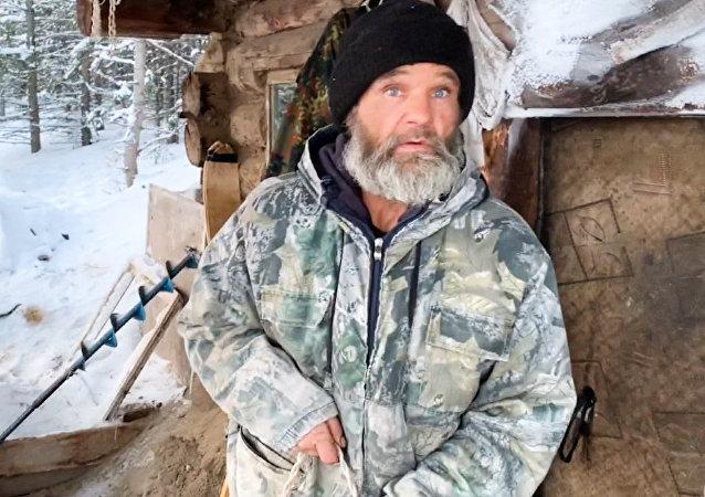 Así vive este ermitaño ruso en la taiga siberiana