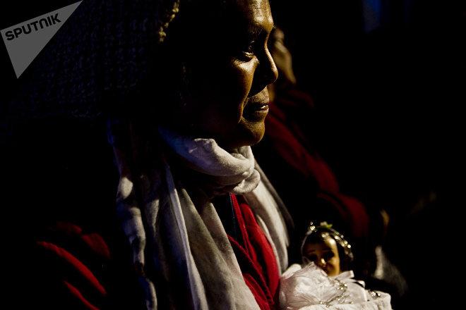 Ana Rosa durante la posesión de la Virgen de la Candelaria, en Ciudad de México