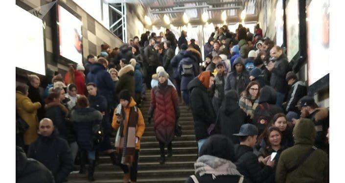 Evacuación de uno de los centros comerciales de Moscú