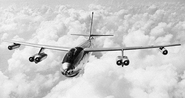 Un bombardero B-47 Stratojet