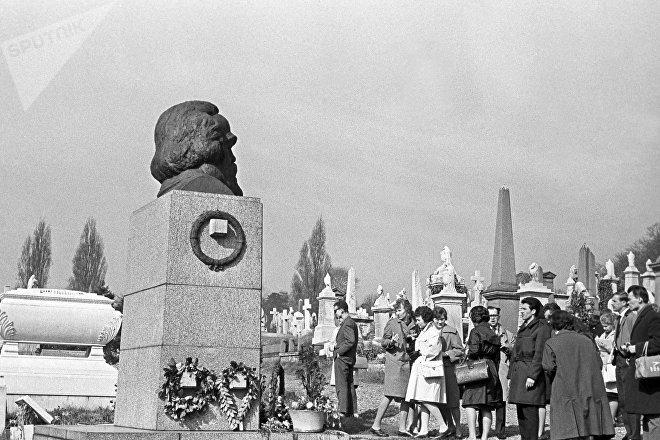 Tumba de Karl Marx en Londres, en 1963