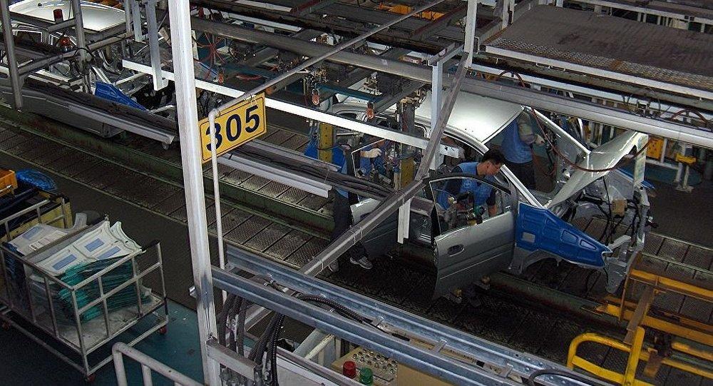 Una línea de montaje de automóviles