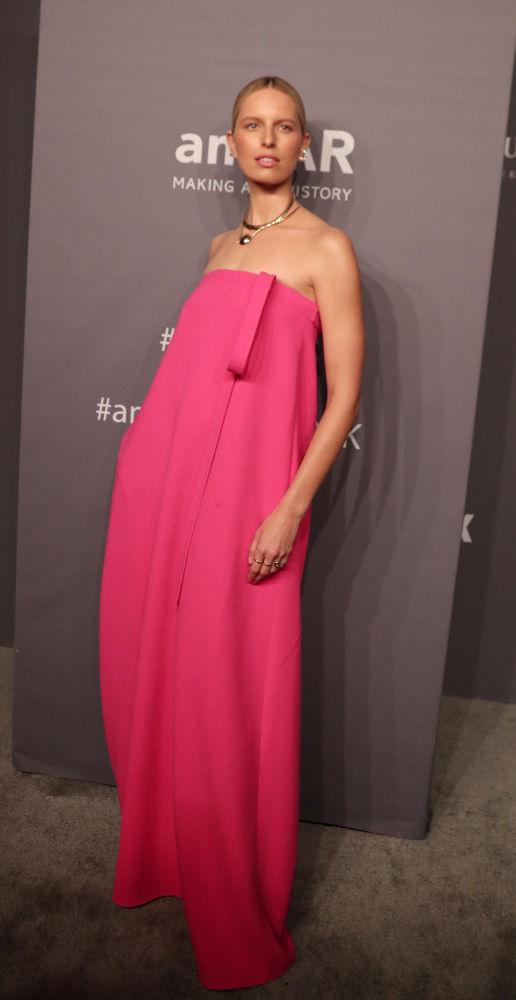 Los más bellos y sexuales atuendos de las invitadas de la Gala amfAR 2019