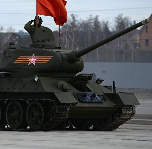 Dos tanques Т-34-85