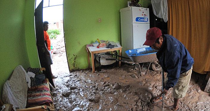 Consecuencias del deslizamineto de tierra en Perú