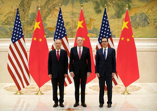 El vice primer ministro chino Liu He, el representante comercial de EEUU, Robert Lighthizer, y el secretario del Tesoro estadounidense, Steven Mnuchin