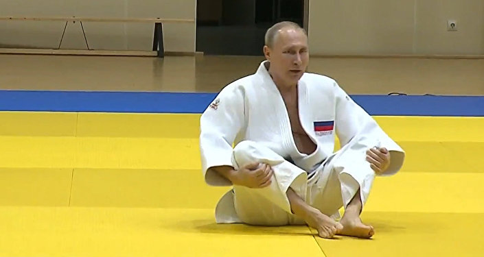 Putin se lesiona un dedo durante un entrenamiento de judo