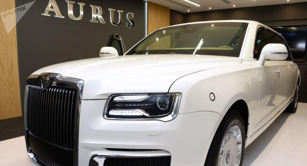 Un auto de la compañía rusa Aurus