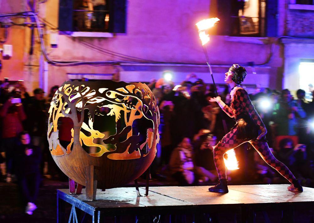 Carnaval de Venecia: desfile de barcos, festival de Marías y 'vuelo del ángel'