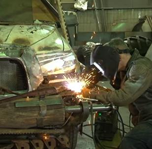 Así diseñan en Rusia unos autos apocalípticos inspirados en Mad Max