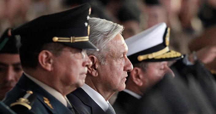El presidente de México, Andrés Manuel López Obrador, en los festejos del Día del Ejército