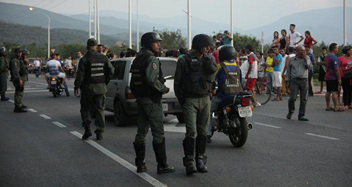 Militares en la frontera entre Colombia y Venezuela