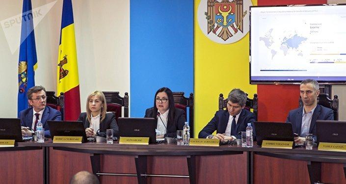Alina Russu, presidenta de la Comisión Electoral Central de la República de Moldavia tras las elecciones parlamentarias