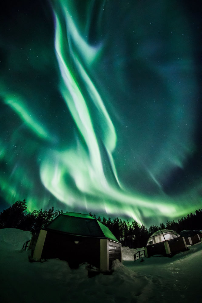 Ovnis, tornados y nubes de hongo: a esto se parecen las auroras boreales en Finlandia