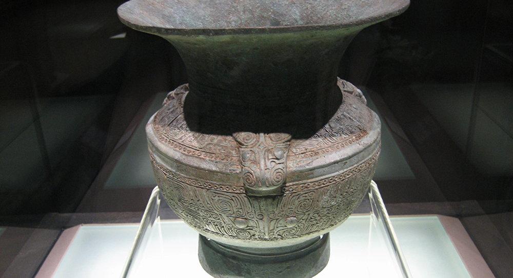 Una vasija de cobre china