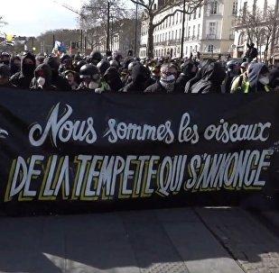 Un fin de semana de duros enfrentamientos y 'chalecos amarrillos' en París
