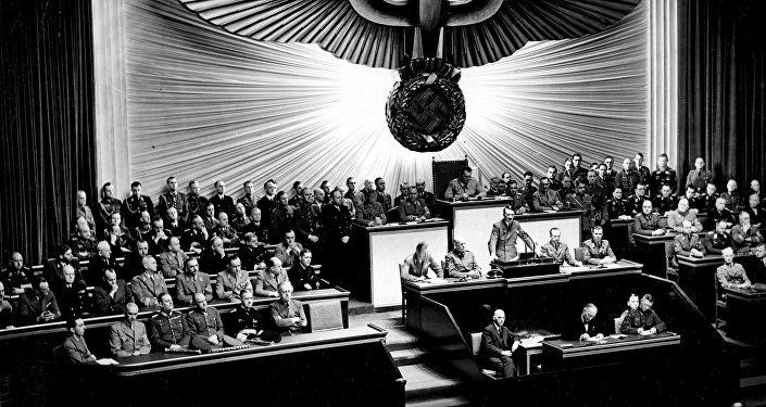 Hitler en el Reichstag