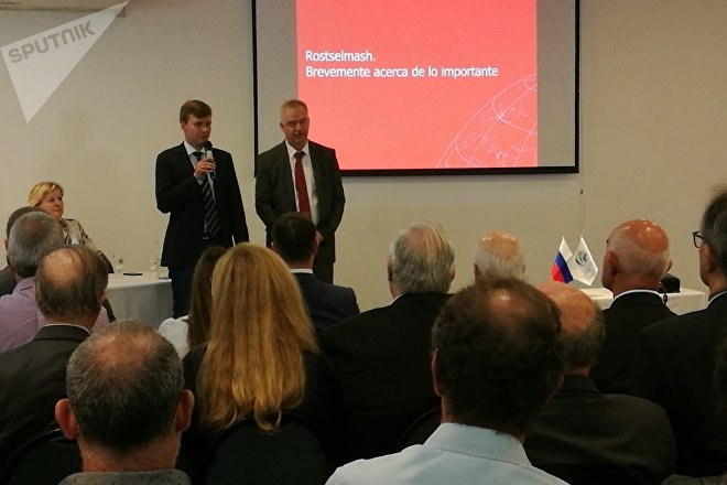 El jefe de la representación comercial de Rusia en Argentina, Serguéi Derkach, en la presentación de las empresas rusas de maquinaria especializada
