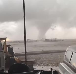 Un potente tornado toma tierra en Nuevo México