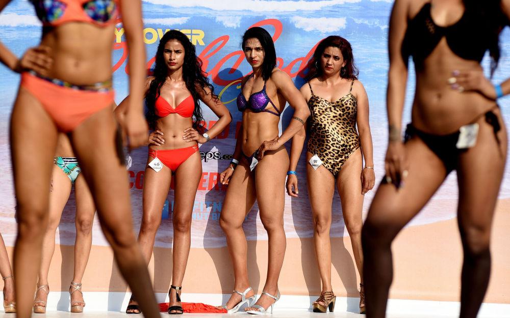 Las playas de Goa se inundan de nalgas y abdominales