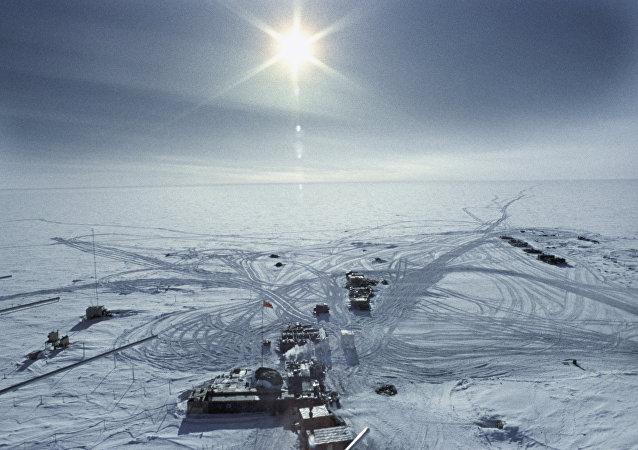 La estación Vostok en 1957 en la Antártida