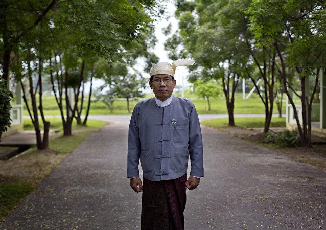 Aye Maung, uno de los líderes de los rohinyás (archivo)
