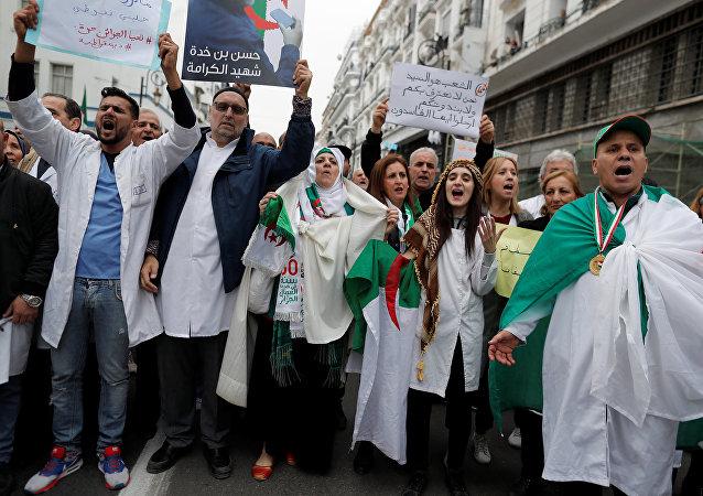Manifestaciones de los médicos en Argelia