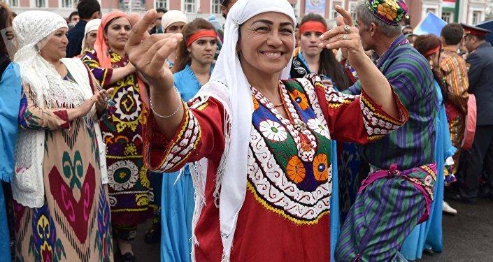 La gente celebra 'Novruz' en Tayikistán