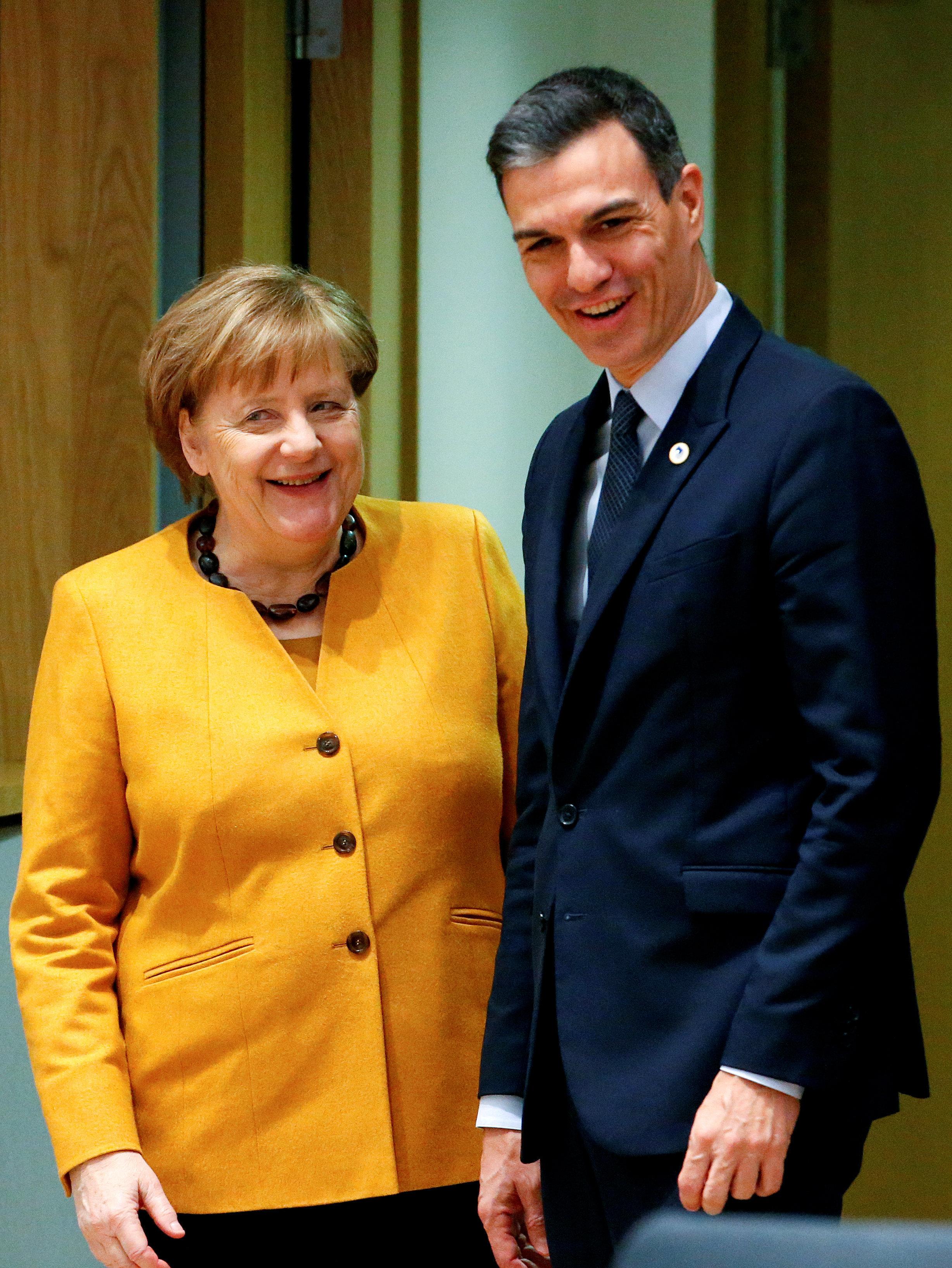 La canciller federal de Alemania, Angela Merkel, y el presidente del Gobierno de España, Pedro Sánchez