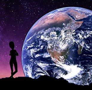 Unos extraterrestres con la Tierra de fondo (ilustración artística)
