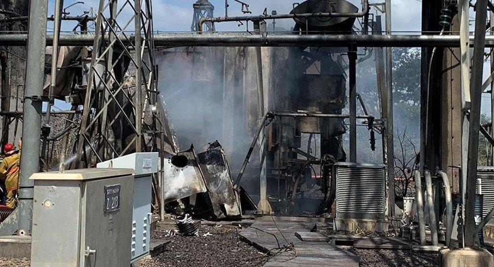 Una instalación incendiada en un supuesto ataque a la central eléctrica en Venezuela