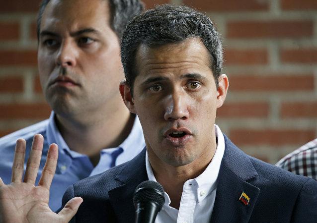 El autoproclamado presidente encargado de Venezuela, Juan Guaidó