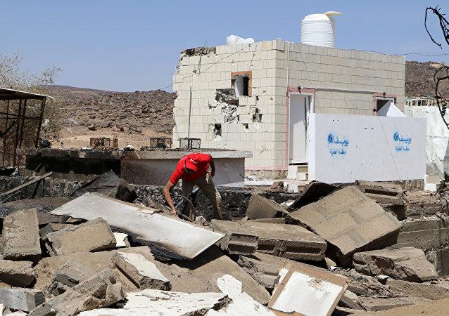 Las consequencias del presunto ataque aéreo de la coalición liderada por Arabia Saudita en un hospital en Yemen