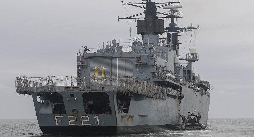 Fragata de la marina rumana Regele Ferdinand (F-221)