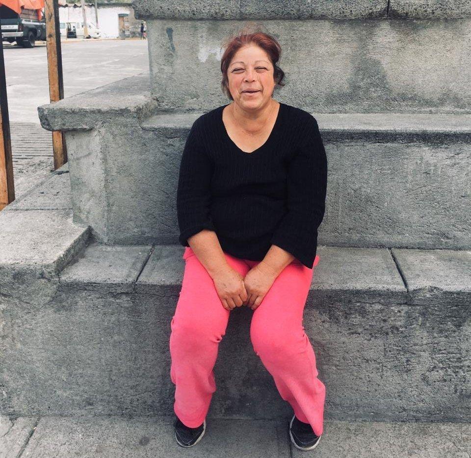 María Teresa es una vecina de Xalitzintla, el pueblo más cercano al Popocatépetl, atenta a lo que suceda con el volcán