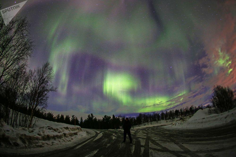 El espectáculo de luz de la naturaleza: descubre las auroras boreales de Múrmansk