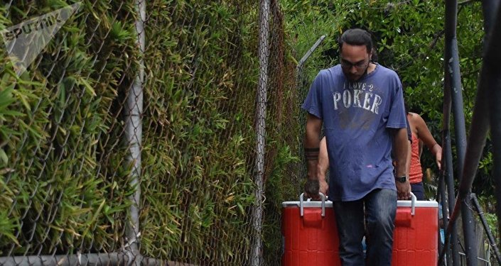 Los venezolanos recaudan agua tras el apagón