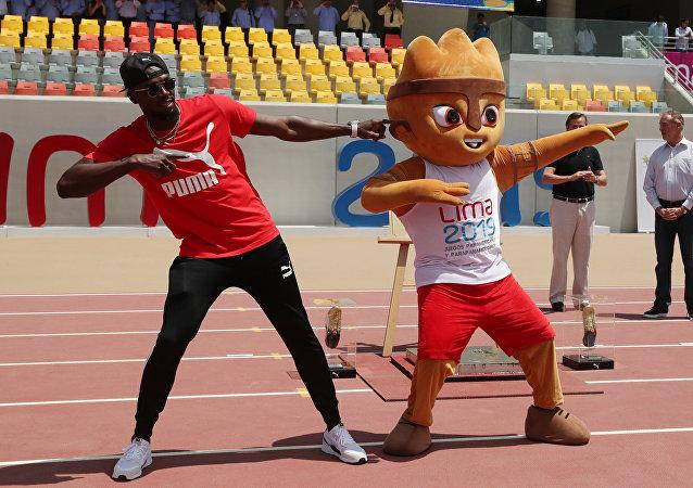 Usain Bolt, campeón olímpico de atletismo, en el Estadio Atlético de la Villa Deportiva Nacional