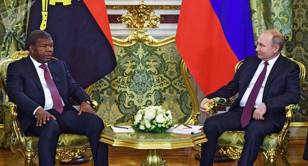 El presidente angoleño, Joao Lourenco, y su homólogo ruso, Vladímir Putin