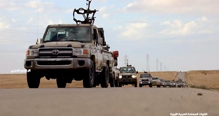 Rusia pide diálogo mientras mariscal libio ordena