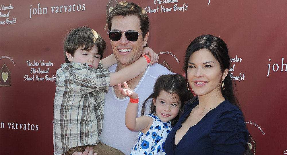 Lauren Sanchez junto a su esposo, Patrick Whitesell, en 2011