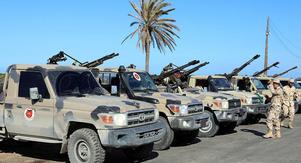 Vehículos militares en Trípoli, Libia (archivo)