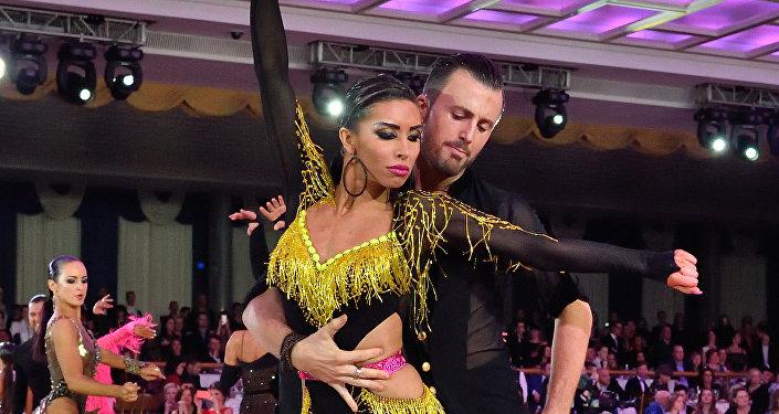 Manuel Frighetto y Daria Seredá, bailarines italianos